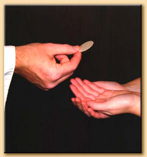 comunione nella mano