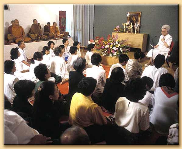 chiara lubich e i buddisti